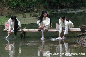 Femmes au Pays Muong